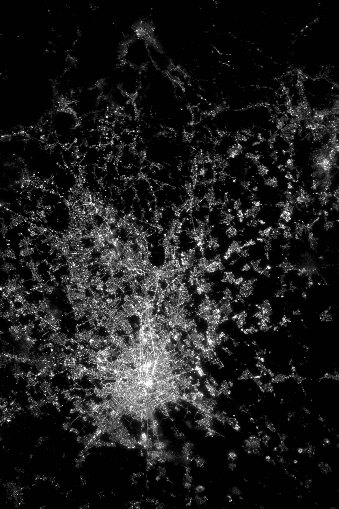 Night image of Milan, Italy (size ~31 km) taken from the International Space Station at an altitude of 400 km.